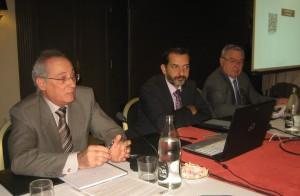 De izquierda a derecha, Miguel Romero, Enrique Sanjuán y Federico Fernández-Crehuet