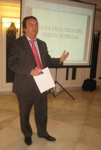 El ponente, Rodrigo Cabedo Gregori, perito judicial y administrador concursal. Economista, abogado y auditor de cuentas.