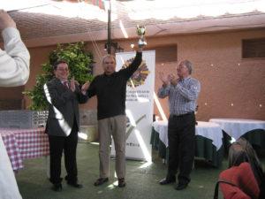 Entrega de trofeos de futbito durante la jornada gastronómica 2010